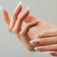 Наращивание и моделирование ногтей